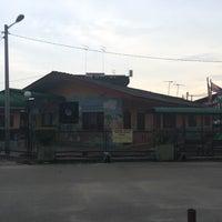Photo taken at Masjid Jamek Sungai Abong by Kamarul A. on 6/11/2016