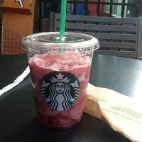 Photo taken at Starbucks by Jose Daniel J. on 11/1/2012