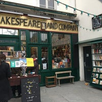 Photo prise au Shakespeare & Company par Danilo R. le3/1/2013