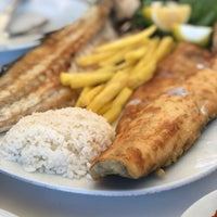 Das Foto wurde bei Alibaba Restaurant Büyükada von Sara A. am 2/15/2018 aufgenommen