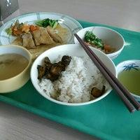 Photo taken at ダイビル食堂 by kiriko on 2/17/2015
