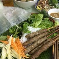 Photo taken at Bún Bò Huế O Xuân - Cơ Sở 2 by Hòa Anh Đ. on 5/24/2016