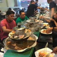Photo taken at Flaming Steamboat by En H. on 2/28/2017