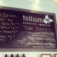 4/20/2013 tarihinde Chad O.ziyaretçi tarafından Trillium Brewing Company'de çekilen fotoğraf