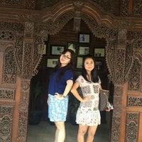 Photo taken at Waroeng Djoglo by Monica C. on 8/31/2015