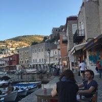 Photo taken at Papagalos by Meltem B. on 8/14/2016