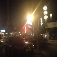 Foto tomada en Riverside Bar & Restaurant por ต่าย อ. el 10/29/2012