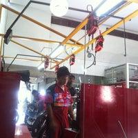 Photo taken at Agung Motor Yamaha by Dedot on 11/29/2012