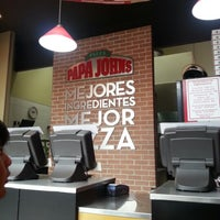 Photo taken at Papa John's Pizza CDMX - Leones by Aru R. on 1/21/2013