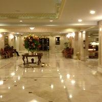 Foto tomada en Hotel Westin Camino Real por Joanna C. el 11/14/2012