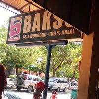 Photo taken at Bakso tengkleng by ayyasofia s. on 10/26/2014