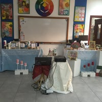 Photo taken at مدرسة السرة المتوسطة بنات by كدلوكه ا. on 3/10/2016