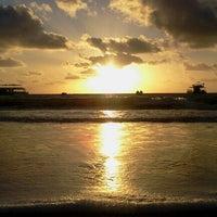 Foto tirada no(a) Praia de Tambaú por Thiago S. em 11/10/2012