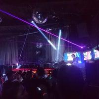Foto tomada en Dance Floor por Osbaldo N. el 9/2/2017