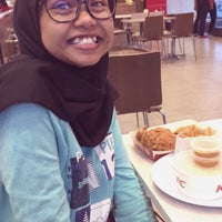 Photo taken at KFC Seri Iskandar by yad j. on 6/14/2017