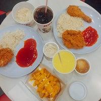 Photo taken at KFC Seri Iskandar by yad j. on 8/1/2017