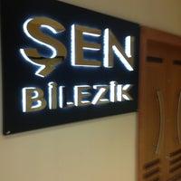 Photo taken at Şen Kuyumculuk by Buraak Taskin on 8/24/2013