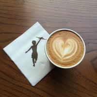 Foto tomada en Storyville Coffee Company por Brittany M. el 8/24/2014