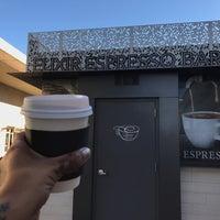 10/21/2016 tarihinde Taylor A.ziyaretçi tarafından Elixir Espresso Bar'de çekilen fotoğraf