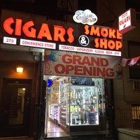 Photo prise au East Side Cigars & Smoke Shop par Aman S. le4/11/2016