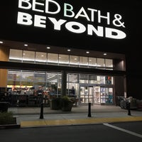 Photo taken at Bed Bath & Beyond by Gordon G. on 1/22/2018