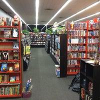 Снимок сделан в Bookman's Entertainment Exchange пользователем Gordon G. 12/30/2013