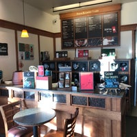 Photo taken at Peet's Coffee & Tea by Gordon G. on 11/12/2017