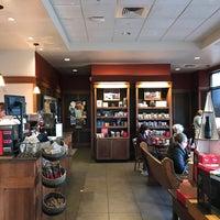 Photo taken at Peet's Coffee & Tea by Gordon G. on 11/10/2017