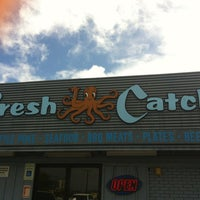 Photo taken at Fresh Catch by Takeshi H. on 2/10/2013