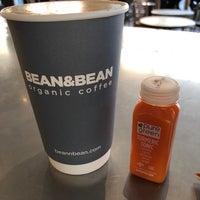 Foto scattata a Bean & Bean Organic Coffee da Portia P. il 4/22/2018
