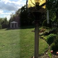Photo taken at Reiterhof Wirsberg Belevue Spa & Resort by Burcu E. on 5/6/2015