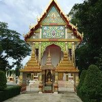 Photo taken at Wat Tan Paaklad by Noom M. on 7/14/2013