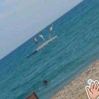 รูปภาพถ่ายที่ Ünlüselek Beach โดย Yasin S. เมื่อ 9/15/2018