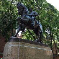 Foto tirada no(a) Paul Revere Statue por Ben K. em 6/2/2013