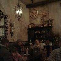 Снимок сделан в Staropolska Restaurant пользователем MJ W. 5/12/2013