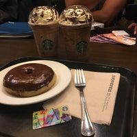 Das Foto wurde bei Starbucks Coffee von Punky C. am 7/24/2017 aufgenommen