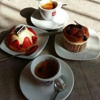 Foto scattata a Caffè Commercio da Veronica B. il 3/23/2016