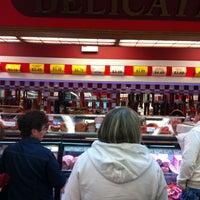Foto scattata a Montrose Food Mart & Deli da Tricia H. il 4/20/2013