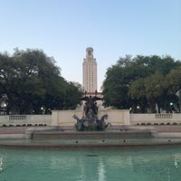 Photo taken at The University of Texas at Austin by jewå on 3/18/2013