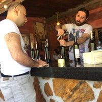 4/30/2017 tarihinde Eren D.ziyaretçi tarafından Yorgonun Mahzeni Şarap Evi'de çekilen fotoğraf