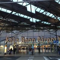 """Das Foto wurde bei Flughafen Köln/Bonn """"Konrad Adenauer"""" (CGN) von Niko P. am 11/13/2012 aufgenommen"""