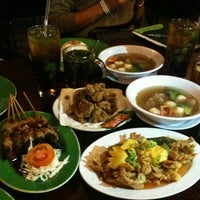 Photo taken at Jejamuran Resto by Fitra D. on 2/6/2013