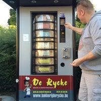 Photo taken at Broodautomaat De Rycke by Tina D. on 9/30/2015