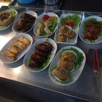 Photo taken at Jin Xuan Hong Kong Restaurant (锦选香港特极点心) by Danny C. on 10/22/2017