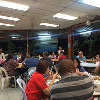 Foto diambil di Sam Yu Seafood Restaurant (三有海鲜饭店) oleh Danny C. pada 9/2/2017