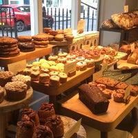Photo prise au GAIL's Bakery par Lulu A. le11/19/2017