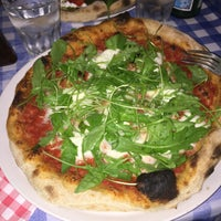 Photo prise au La Bottega della Pizza par Olus K. le10/23/2016
