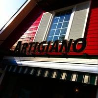 Das Foto wurde bei Artigiano Gelateria von tae f. am 10/7/2012 aufgenommen