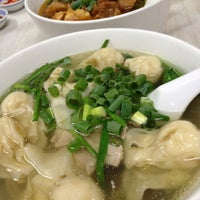 Photo taken at U.E. Chinese Restaurant by Zona T. on 12/27/2012