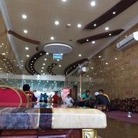 Photo taken at فوال بوابة الطائف by Salah A. on 3/7/2014